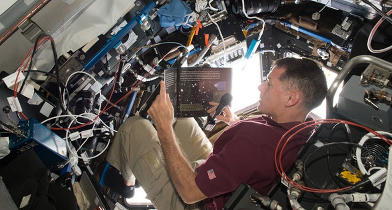 Astronauts Read Popular Kids Books From Space